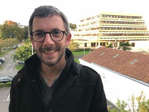 Xebax Christy, Hurbiltzen programaren arduradun ohia: «Senidetzak Euskal Herria egin eta josteko beste bide bat dira»
